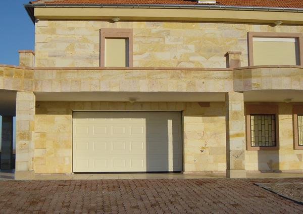 Göbekli Seksiyonel Garaj Kapısı